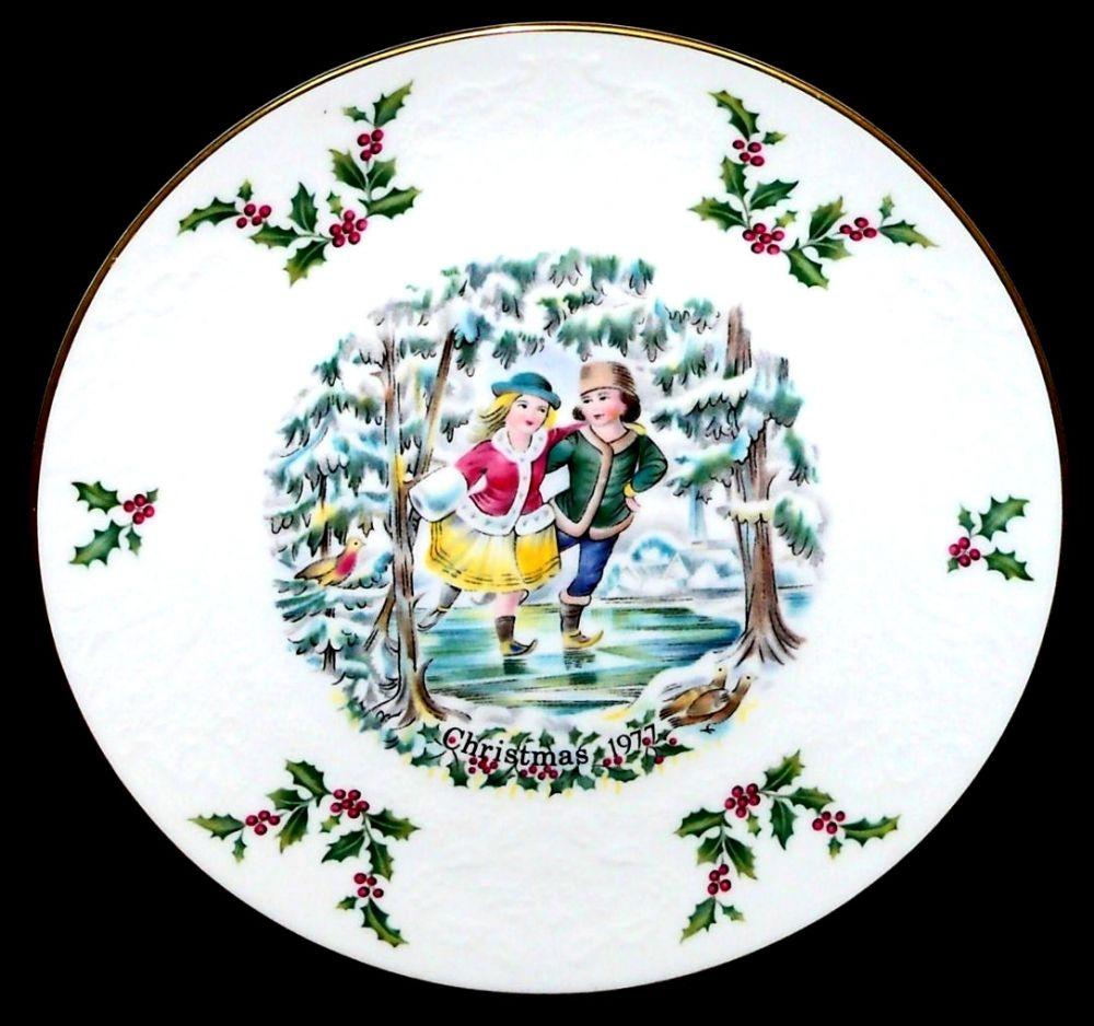 Royal Doulton Christmas Collectors Plate 1977 | Royal ...