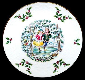 Royal Doulton Christmas Collectors Plate 1977