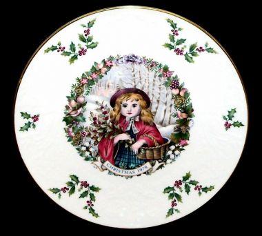 Royal Doulton Christmas Collectors Plate 1978