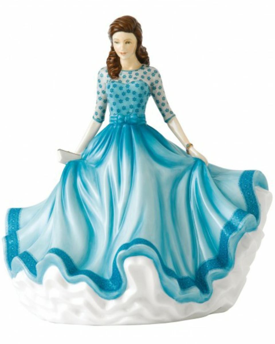 Megan Hn 5815 Royal Doulton Traditional Ladies Figurine
